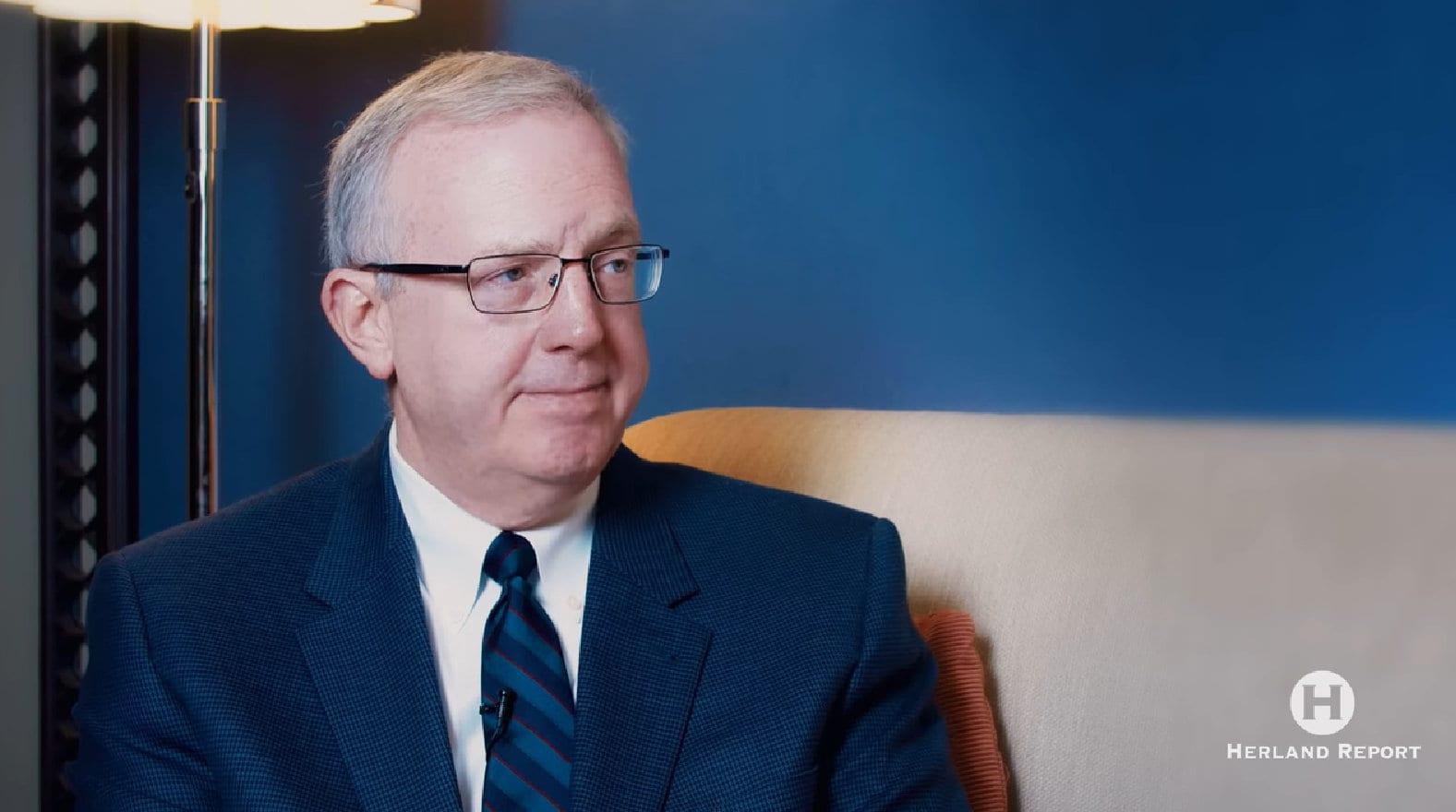 Christopher J. Farrell, Judicial Watch om Herland Report