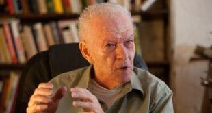 Politicized USA riots follow pattern of Arab Spring - Color Revolution Gene Sharp: Gene Sharp, New York Times